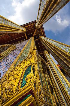 Wat phra kaeo. Bangkok by Suphakit Wongsanit