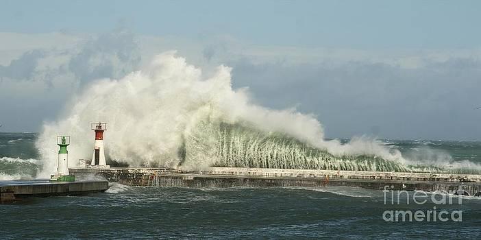 Andrew  Hewett - Water Climax