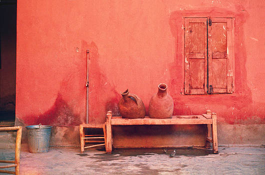 Daniel Furon - Desert Sparrows Quenching Thirst at a Water Stand - Moroccan Sahara.