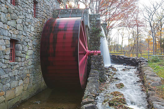 Water wheel by Gordon  Grimwade