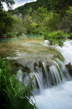 Waterfall in Plitvice by Laura Melis