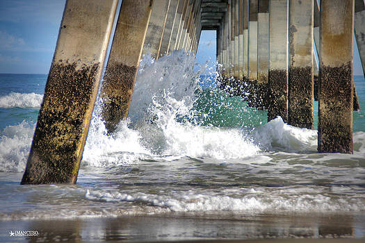 Wave Action by Phil Mancuso