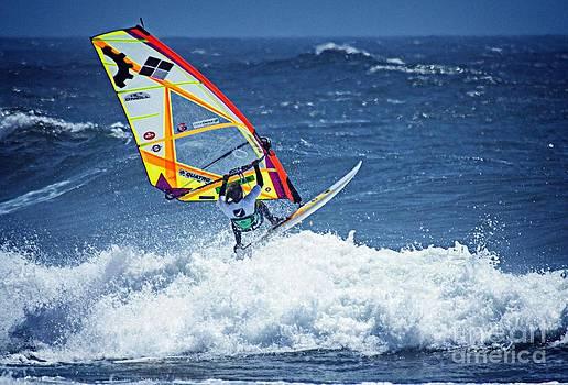 Bob Hislop - Wave Jumpimg