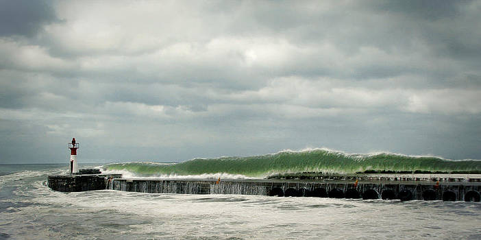 Andrew Hewett - Wave Tangent