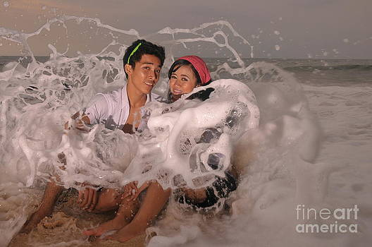 Wave by Wayan Suantara
