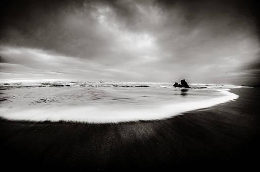 Waves by Gilbert Wayenborgh