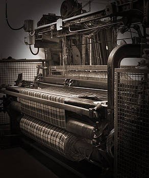Jane McIlroy - Weaving Scottish Tartan