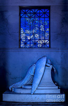 Weeping Angel by Jerry Fornarotto