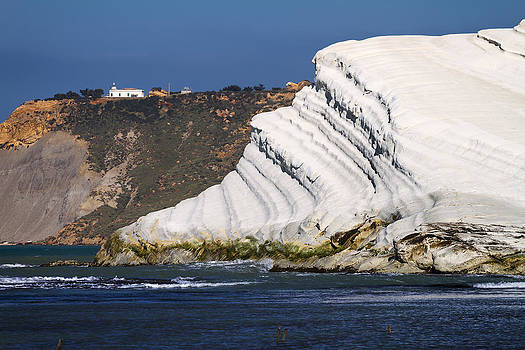 White Cliffs by Antonio Violi