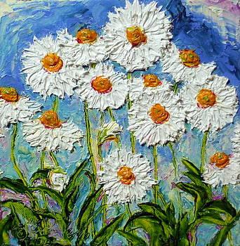 White Daisies II by Paris Wyatt Llanso