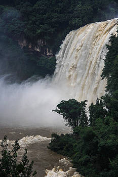 Qing - White Water Falls