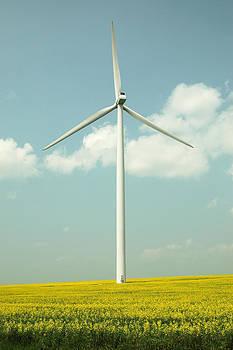Wind Power Turbine in Manitoba. by Rob Huntley