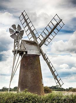 Simon Bratt Photography LRPS - Windmill in Norfolk UK