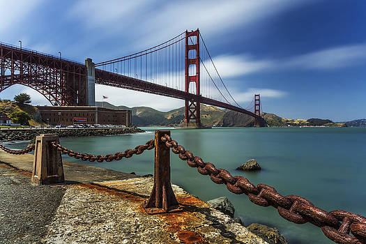 Windy Day at Golden Gate Bridge by Maico Presente