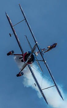 Wingwalker coming down hill by Mike Watts