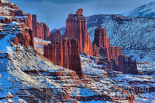 Adam Jewell - Winter At Fisher Towers