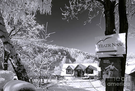 Winter in Teatr Nasz b/w 5 by Lilianna Sokolowska