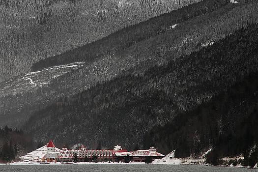 Winter In Valley Gap  by Maik Tondeur