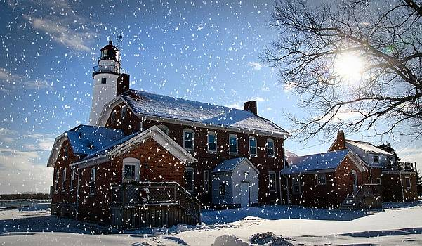 Winter Lighthouse by Cheryl Cencich