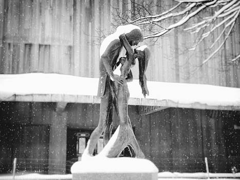 Winter Romance - Romeo and Juliet in the Snow - Central Park - New York City by Vivienne Gucwa