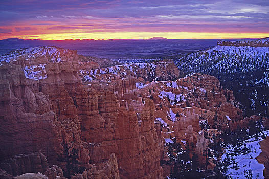 Susan Rovira - Winter Sunrise at Bryce Canyon