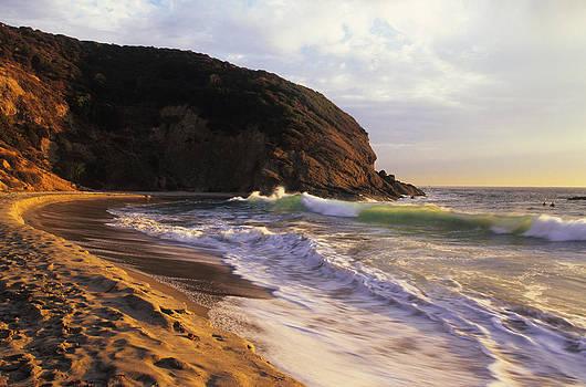Cliff Wassmann - Winter Swells Strands Beach