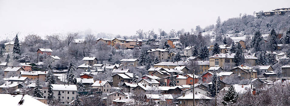 Winter villige by Svetoslav Radkov
