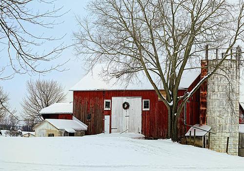 Winters Ohio Barn by Dick Wood