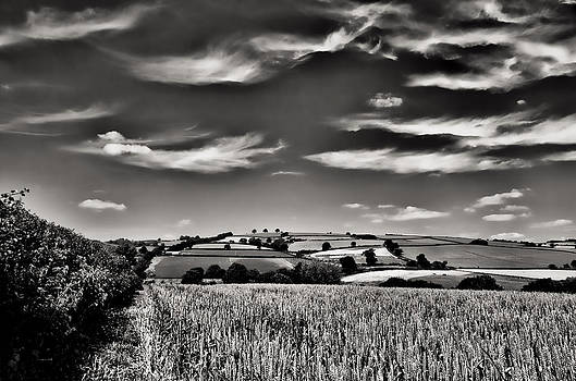 Wispy clouds over caseberry downs by Pete Hemington