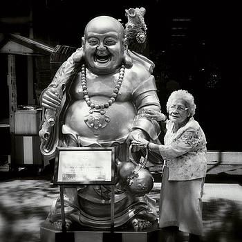 With Buddha Maitreya #singapore #street by Dani Daniar