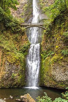 Wonderful falls by Tyler Olson