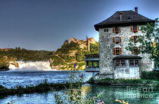 Ines Bolasini - Worth castle Rheinfall