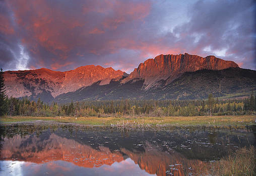 Yamnuska and reflection  by Richard Berry