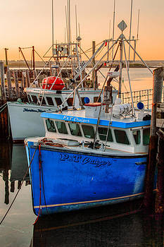 Yarmouth Harbour by Garvin Hunter