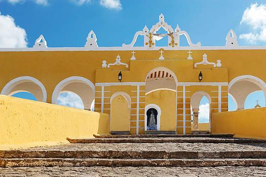 Jo Ann Snover - Yellow entrance steps