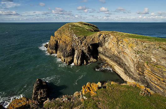 Ynys Lochtyn in Ceredigion by Pete Hemington