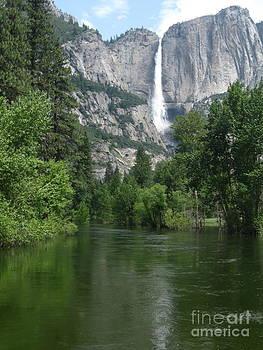 Yosemite Falls by Mark Messenger