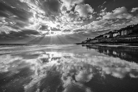 Youghal Lighthouse by Barry Lawlor