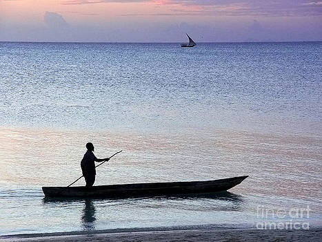 Zanzibar fisherman 05 by Giorgio Darrigo