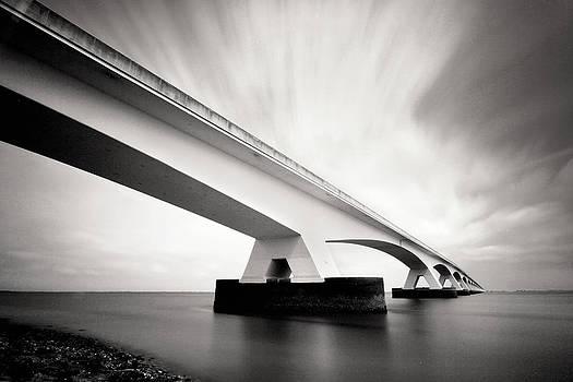 Zeelandbridge by Nina Papiorek