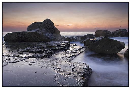 Zig-zag rock by Steve Caldwell