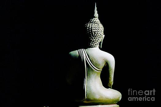 Light of Buddha image by Pongsak Deethongngam