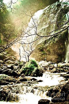 Waterfall  by Jeng Suntorn niamwhan