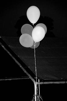 Affini Woodley - Balloons Black and White
