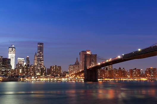 Brooklyn Bridge and Manhattan  by Lucas Tatagiba