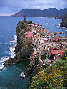 Cinque Terre Italy Fine Art Print by Ian Stevenson
