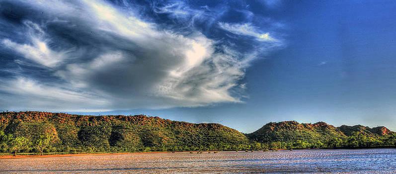 Cloud Range by James Mcinnes