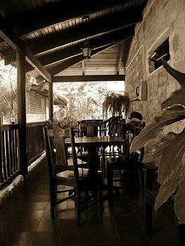 El Restaurante by Sara Hamilton
