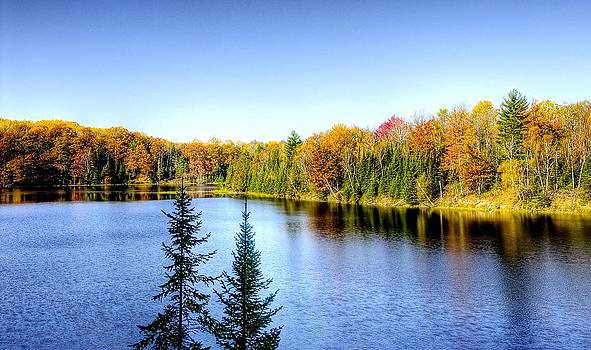 Fall Colors Lake by Kirk Stanley