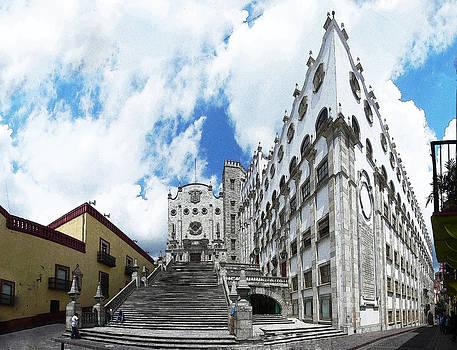 Guanajuato University by Jesus Nicolas Castanon